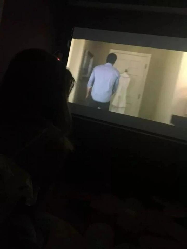 把妹实战贴-他带女主播到私人影院看这个后, 一次就搞定了她……
